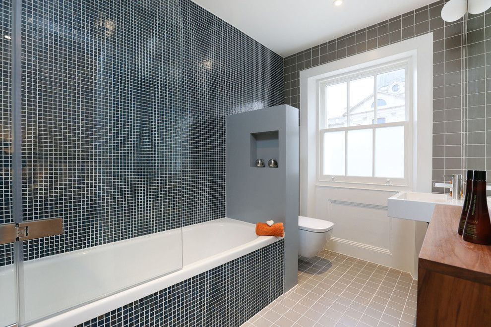 Urban Squared Realty for a Contemporary Bathroom with a Recessed Wall Niche and Refurbishment of a Knightsbridge Flat in Brompton Square by Inter Urban Studios Ltd