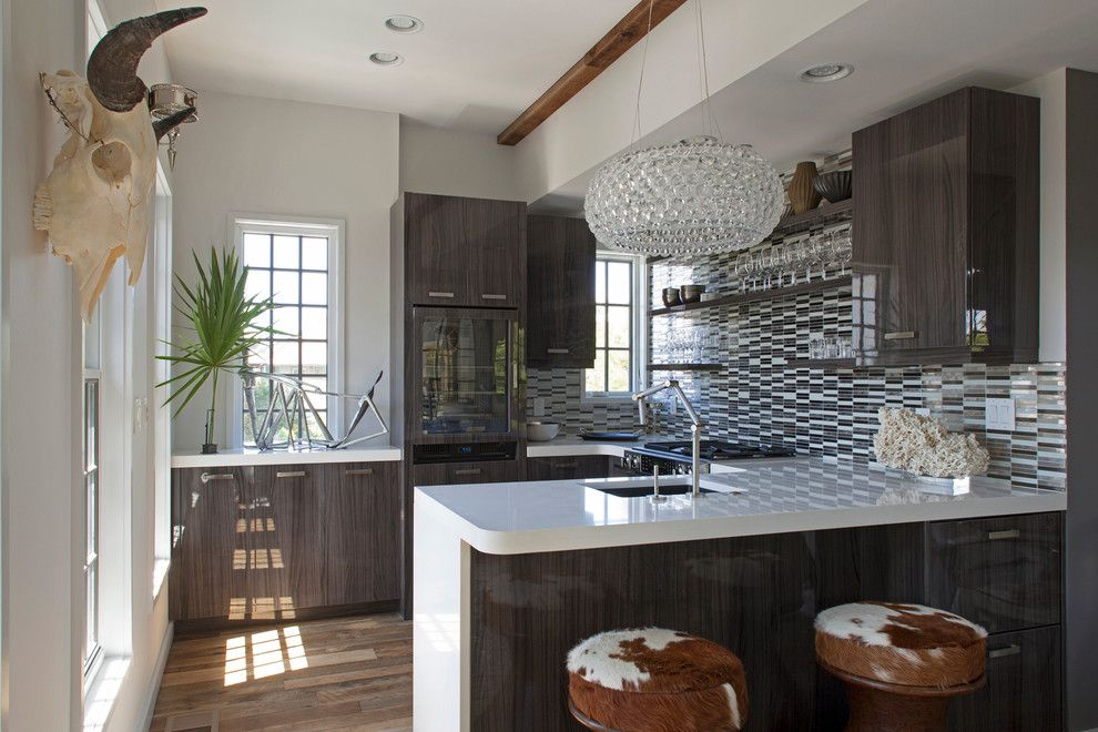 Vrbo Rosemary Beach for a Contemporary Kitchen with a High Gloss Countertop and Carriage House by Christybphillips