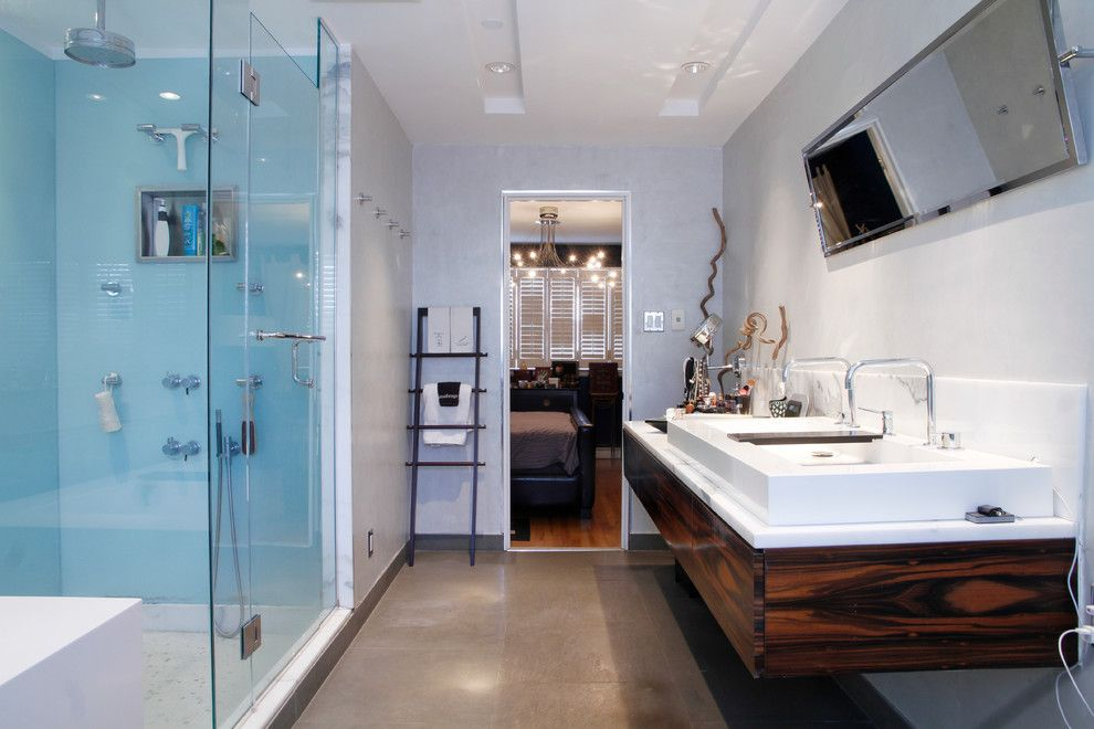 Wetstyle for a Contemporary Bathroom with a Towel Ladder and Montreal, Qc: Escobar by Esther Hershcovich