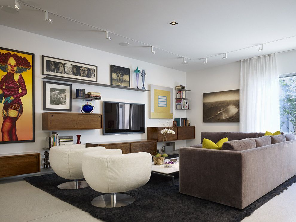 Wheeler Metals for a Contemporary Living Room with a Track Lighting and Northbrook House by Wheeler Kearns Architects