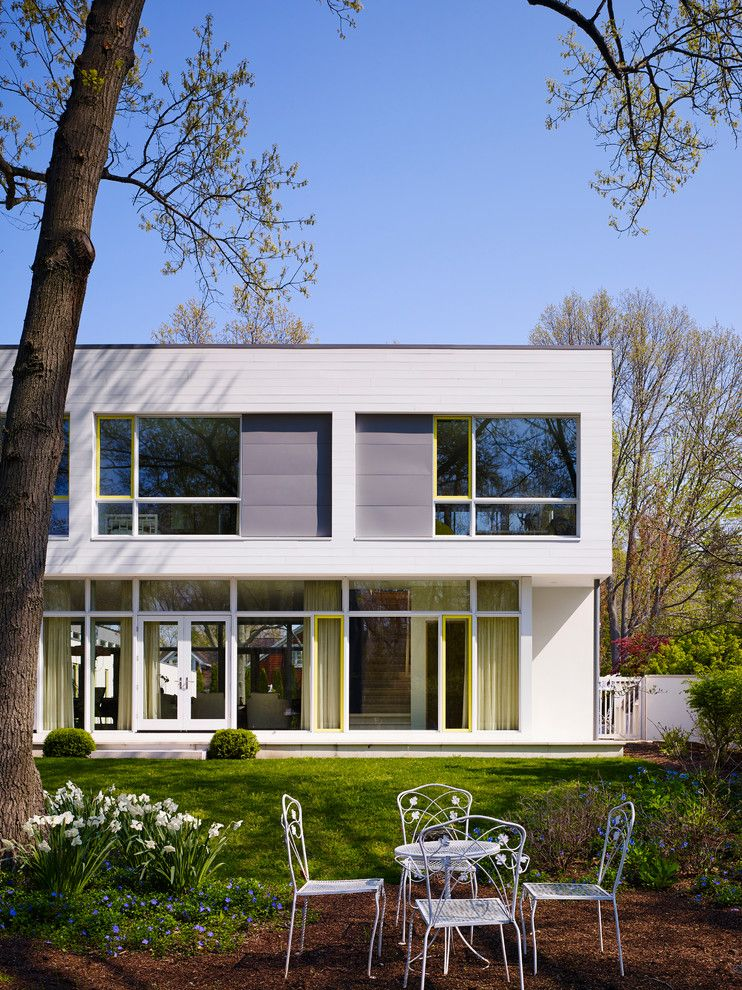 Wheeler Metals for a Modern Patio with a Modern Retreat and Timberlane Shores by Wheeler Kearns Architects