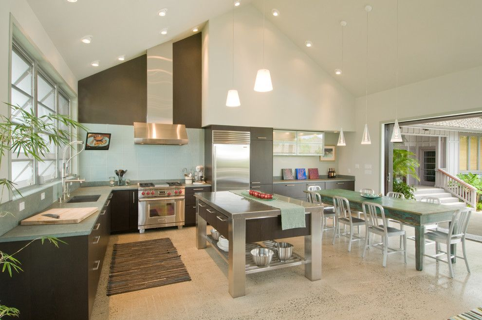 Www.tourfactory.com for a Tropical Kitchen with a Kitchen Countertop and Kitchen & Bathroom Remodel Hawaii by Ferguson Bath, Kitchen & Lighting Gallery