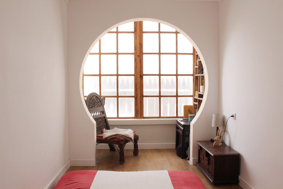 Zen Bedrooms for a Eclectic Bedroom with a Floor Mat and My Houzz: Nesh and Yossi: Tel Aviv by Esther Hershcovich