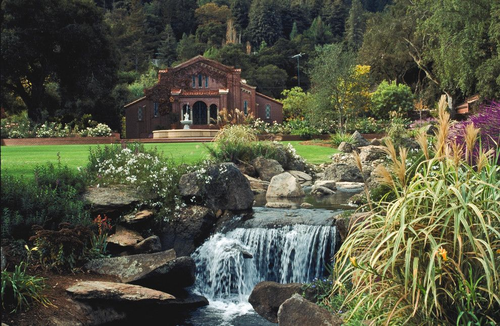 Bonney Lake Theater for a Traditional Landscape with a Water Fountain and Woodside Estate by Design Focus International