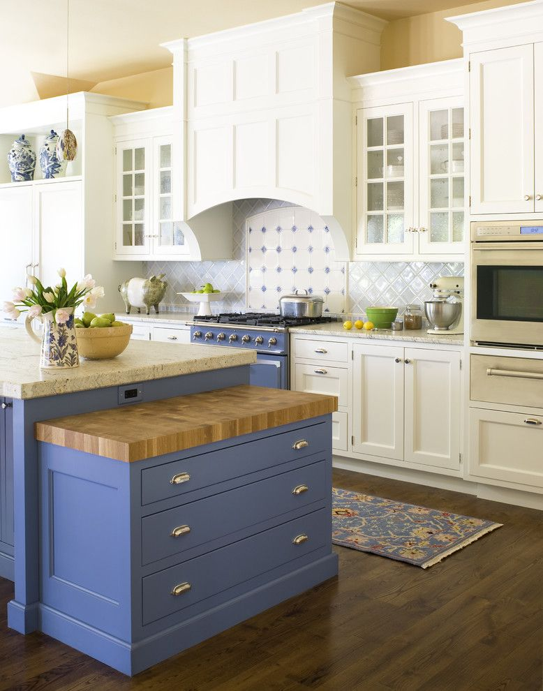 City Floral Denver for a Traditional Kitchen with a Dark Floors and Carlson by Exquisite Kitchen Design