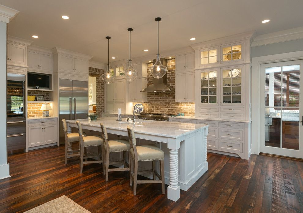 Hanson Brick for a Traditional Kitchen with a Charlestonian Brick and Lowcountry Look   Seabrook Island by Tom Martin and Son, Llc