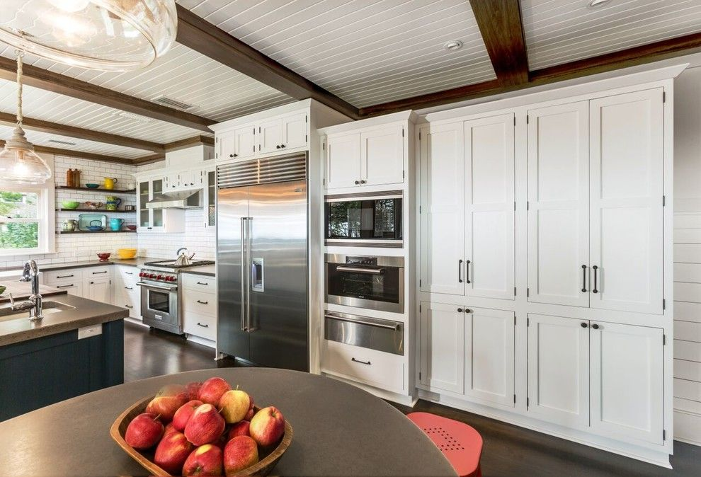 Lakeside Appliance for a Craftsman Kitchen with a Subway Tile and Lakeside Cottage by Wydeven Architects Llc