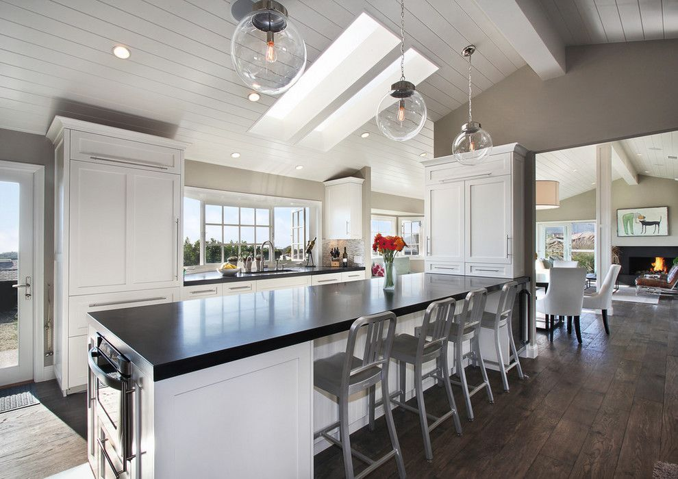 Long Island Paneling for a Transitional Kitchen with a Modern and Hykes Residence by Anders Lasater Architects