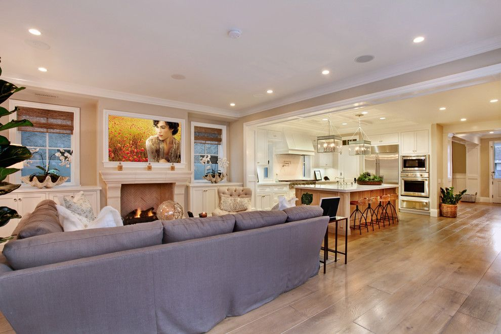 Lowes Brandon Fl for a Beach Style Family Room with a Wall Mount Tv and Bayshores Drive by Brandon Architects, Inc.