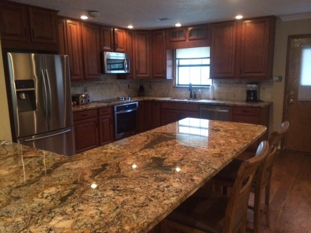 Lowes Lufkin Tx for a Traditional Kitchen with a Traditional and Country Kitchens by Lowe's of Lufkin, TX/ Kevin Holman