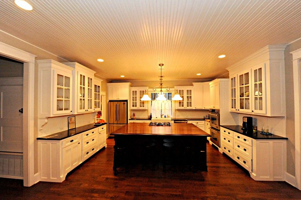 Lowes San Antonio for a Craftsman Kitchen with a Bat and Craftsman Style by John Dancey Custom Designing/remodeling/building
