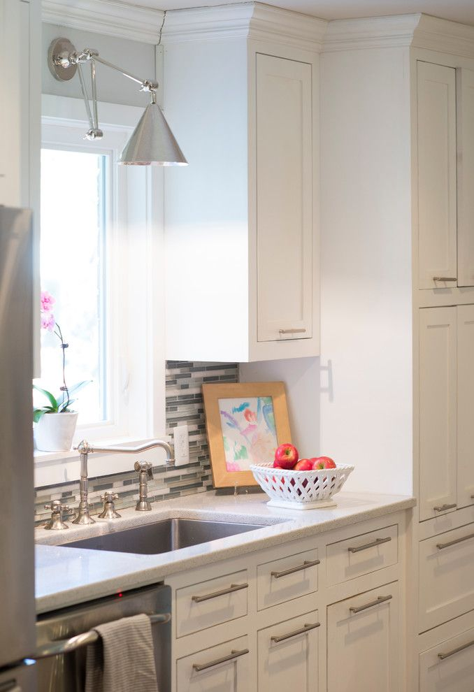 Lowes Seneca Sc for a Traditional Kitchen with a Kitchen Bar and Lansing   Mount Pleasant, Sc by Krystine Edwards Design
