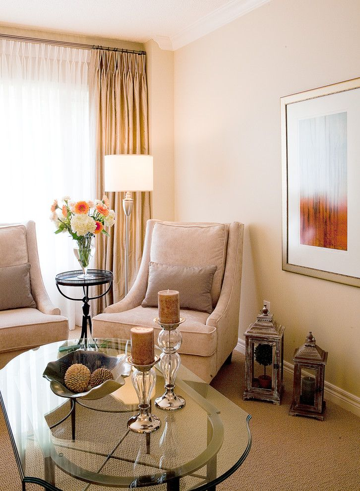 Lumar for a Contemporary Living Room with a Carpet and Richmond Hill, Ontario 'Refresh' Project by Lumar Interiors