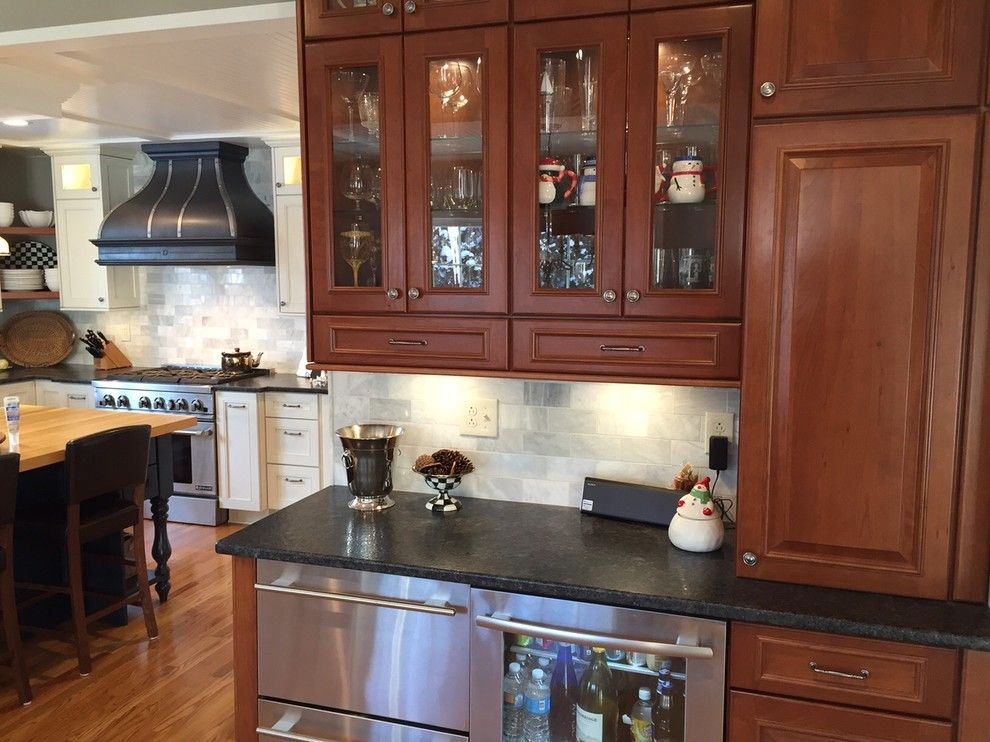 Olathe Glass for a Traditional Kitchen with a Kraftmaid and Traditional Kitchen by Innovations by Vp