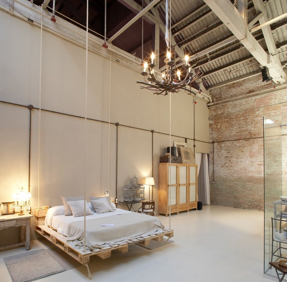 Schwing Electric for a Industrial Bedroom with a Salon and Ecochic by Barasona Diseño Y Comunicación