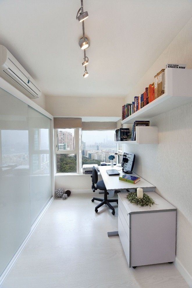Valpo.edu for a Modern Home Office with a Frosted Glass and Pacific Palisades (Hong Kong) by S.i.d.ltd.