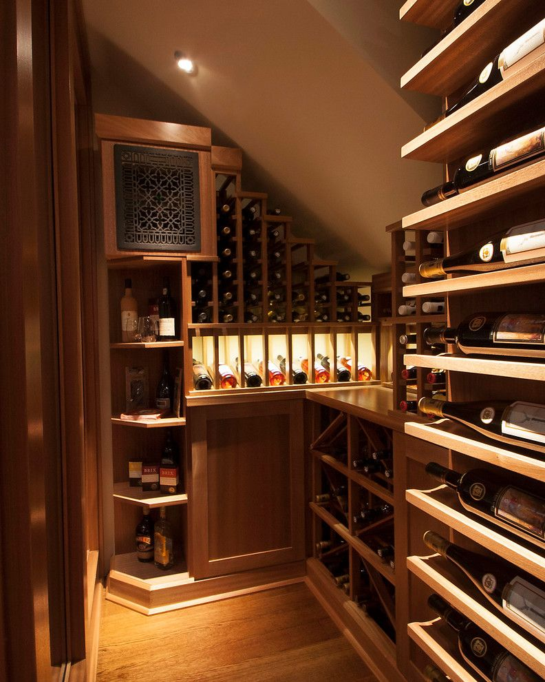 Wine Cellar Los Gatos for a Transitional Wine Cellar with a Nook and Small Space Wine Cellars by Papro Consulting by Papro Consulting   Wine Cellars