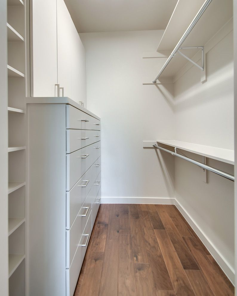 9x18 for a Modern Closet with a Modern and Smolensky Project by Classic Urban Homes