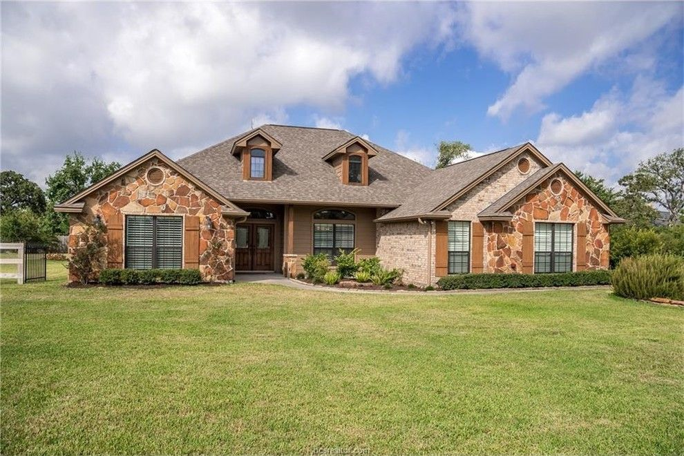 Aerofit College Station for a Traditional Spaces with a Property for Sale in College Station and 5257 Vintage Oaks Dr by Re/max Bryan College Station   Sarah Miller