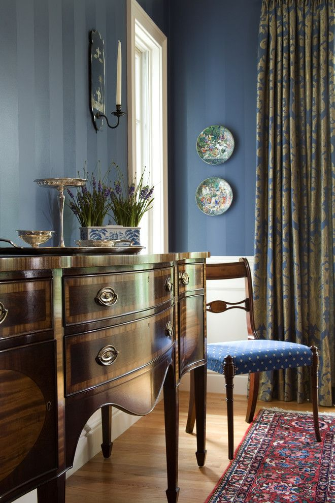 Agway Energy for a Traditional Dining Room with a Sconce and Edwina Drummond Interiors by Edwina Drummond Interiors