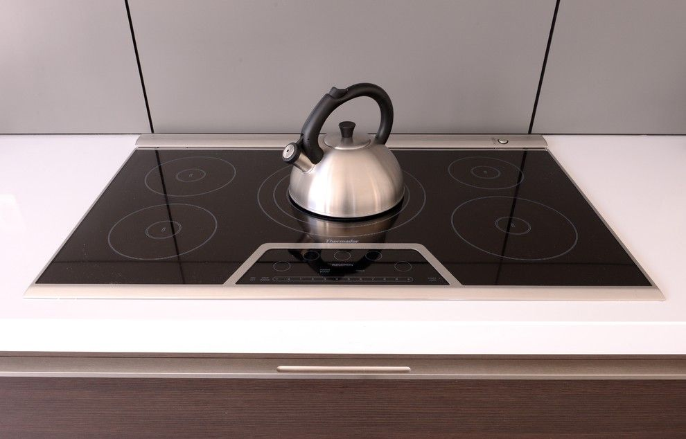 Aia Houston for a Contemporary Kitchen with a Bellaire and Bricker Kitchen by Cantoni