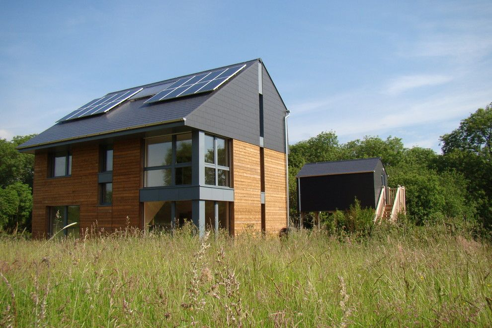 Airco Mechanical for a Modern Exterior with a Natural Ventilation and Howe Park Passive House by Eco Design Consultants