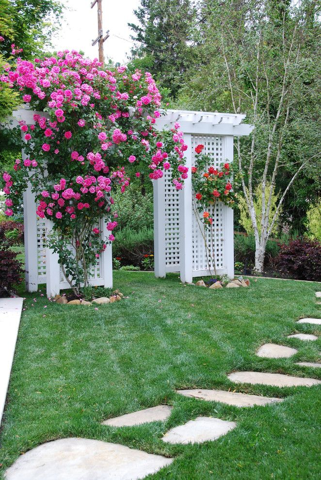 Arbors of Montgomery for a Traditional Landscape with a Lawn and Classic Southern Charm by John Montgomery Landscape Architects