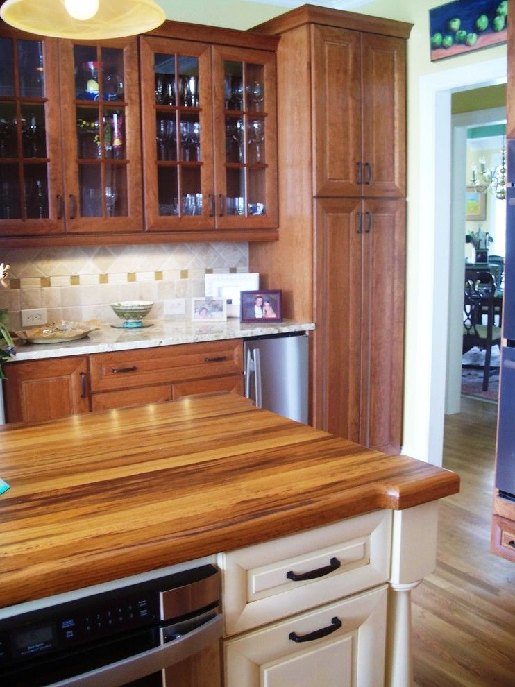 Ashley Furniture Wilmington Nc for a Traditional Kitchen with a Venice Door and Traditional Cherry with Off White Accent by Shoreline Cabinet Company