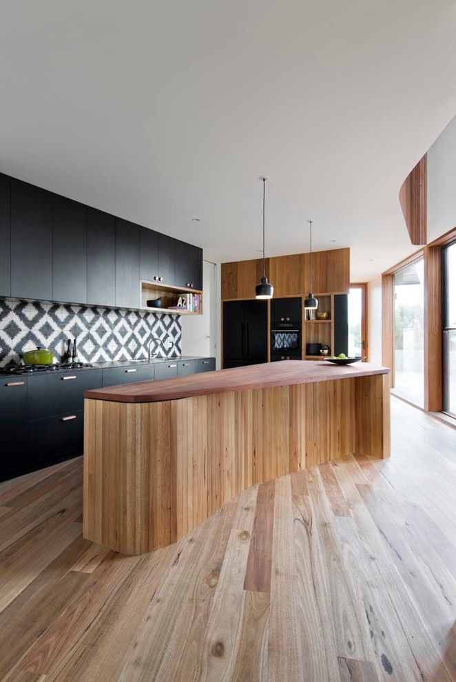 Bamboo Sherman Oaks for a Contemporary Kitchen with a Curved Kitchen Island and Bluff House Kitchen, Void by Auhaus Architecture