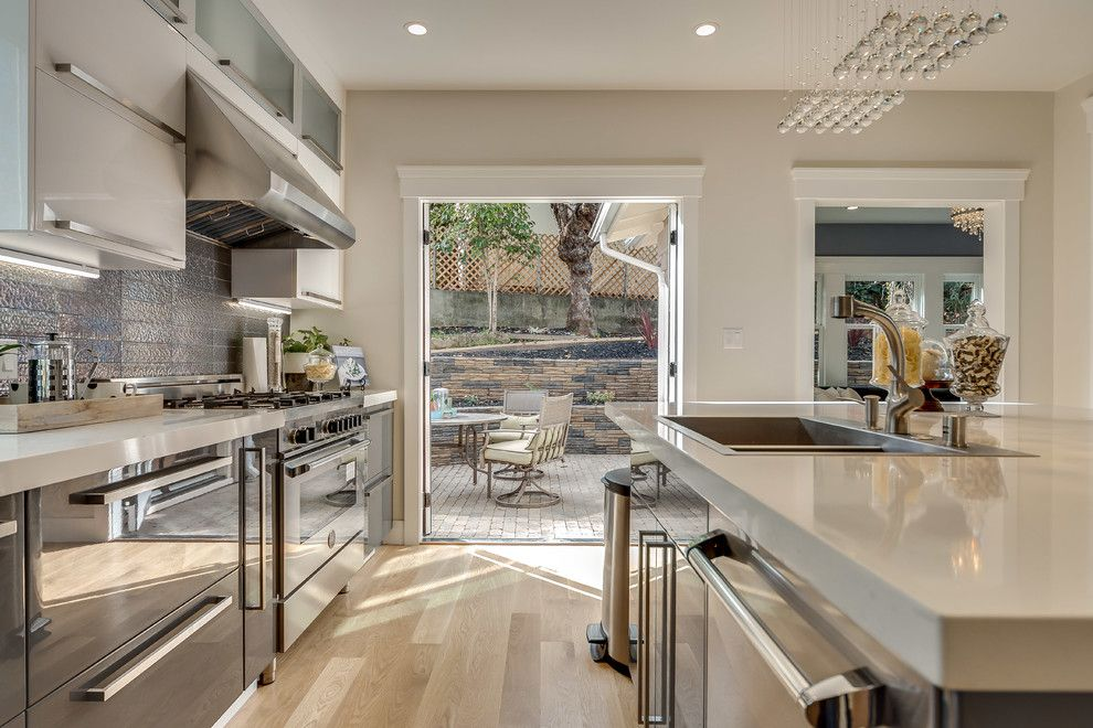 Bar Method Oakland for a Contemporary Kitchen with a San Francisco Home Stager and Piedmont Beauty by Chic Home Interiors