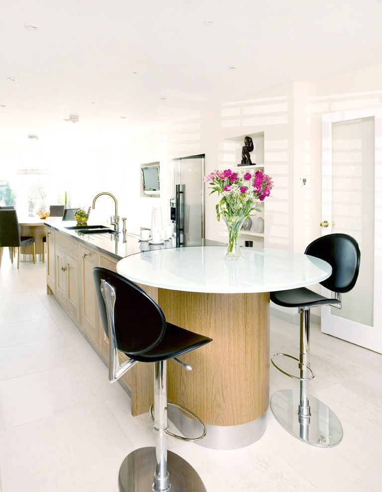 Bar Method Oakland for a Traditional Kitchen with a Breakfast Bar and Oakland Kitchen by Henderson and Redfearn