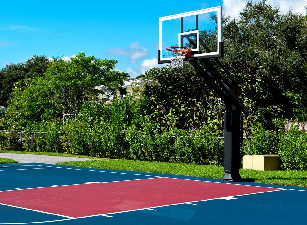 Basketball Court Measurements for a Traditional Landscape with a Concrete Slab and Gus D's Pro Dunk Diamond Basketball System on a 50x35 in Miami, Fl by Pro Dunk Hoops