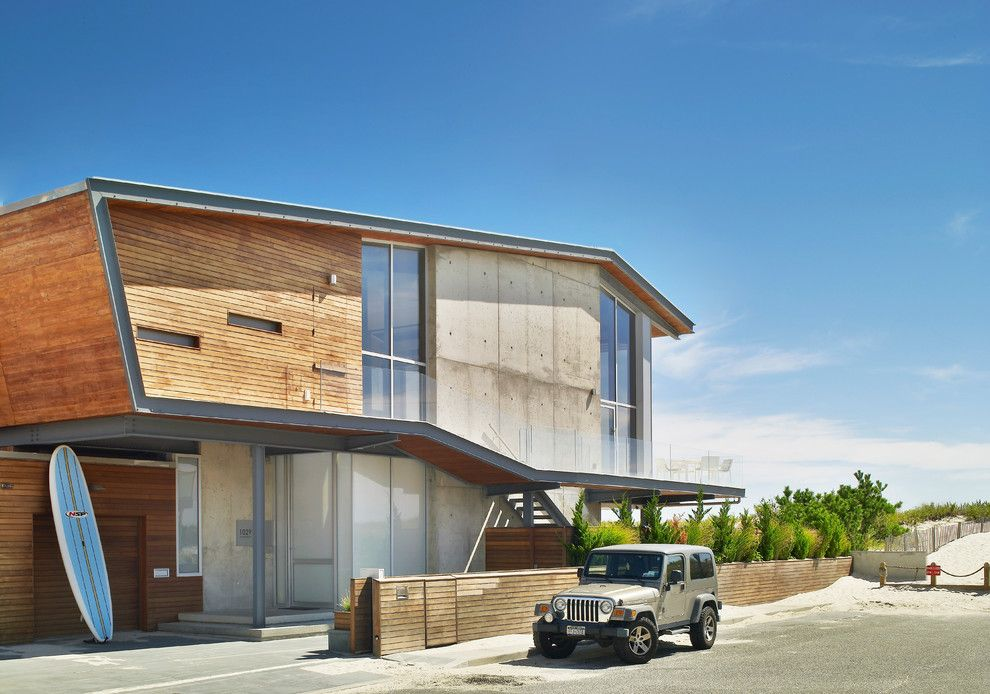 Beach House Hermosa Beach for a Beach Style Exterior with a Minimal and Exterior by West Chin Architects & Interior Designers