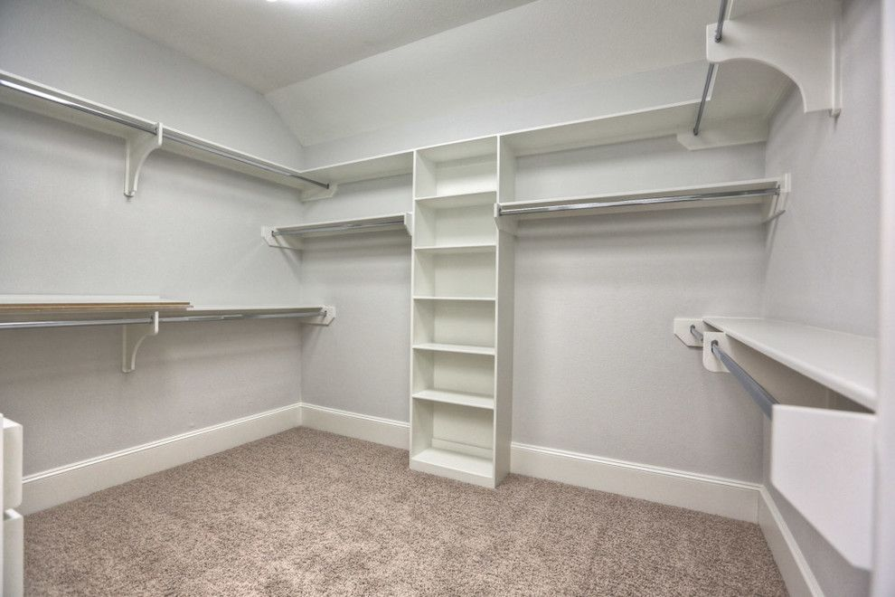Beazer Homes Houston for a Traditional Closet with a Traditional and 2306 Driscoll, Houston Tx 77019 by Silvan Homes