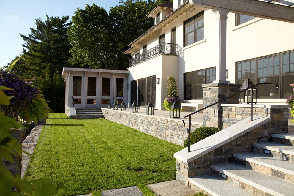 Belgard Hardscapes for a Transitional Landscape with a Modern Transitional Architecture and Greenwich Residence by Leap Architecture