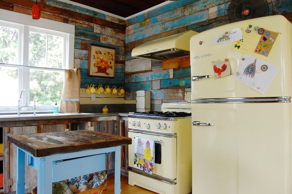 Best Buy Alamo Ranch for a Shabby Chic Style Kitchen with a Farmhouse and My Houzz: Colorful Vintage Finds Fill a Chic Modern Farmhouse by Corynne Pless