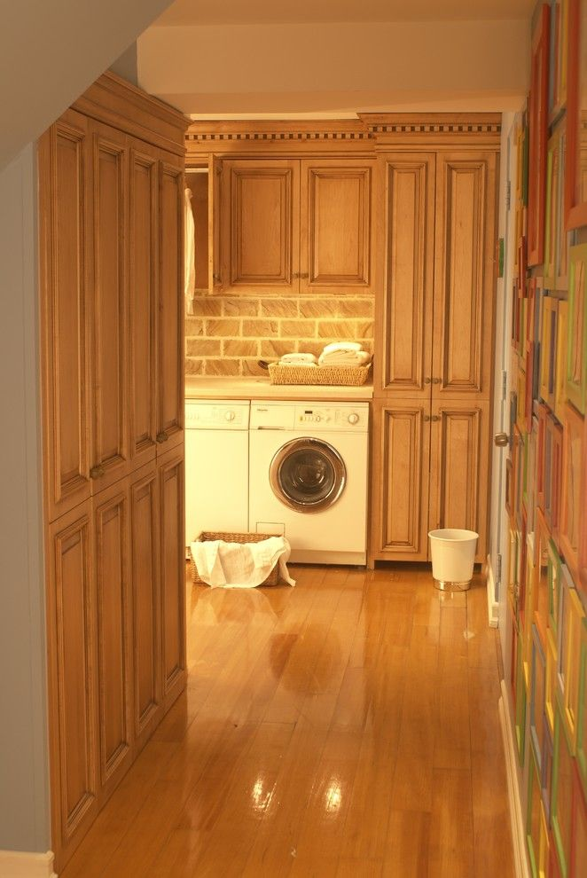 Best Smelling Laundry Detergent for a Traditional Laundry Room with a High End Carpentry and Washing Room NJ by WL INTERIORS