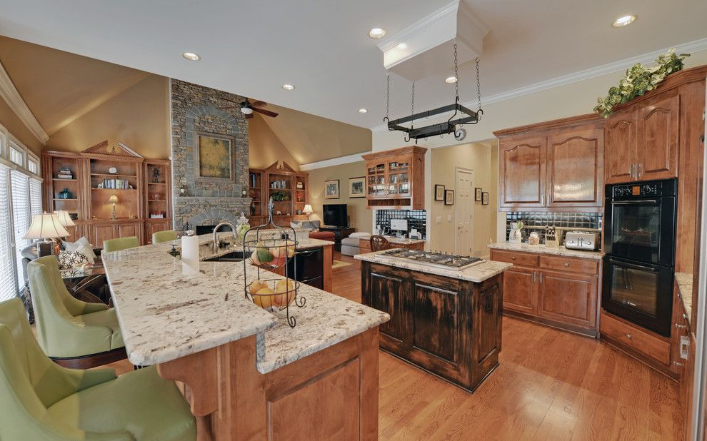 Bighorn Golf Club for a Traditional Kitchen with a St Ives and St. Ives Country Club Custom Homes by Envision Web