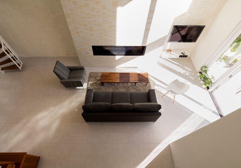 Bridgewood for a Modern Living Room with a Glass and Bridgewood I 69 Degrees by 180 Degrees