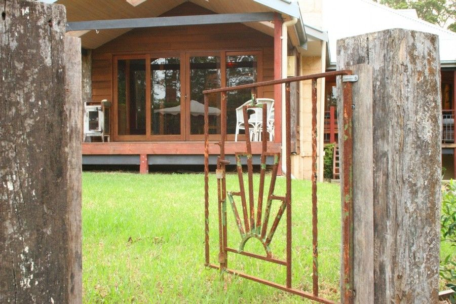 Bridgewood for a Rustic Exterior with a Builder and Bridgewood by Rustic Touch Pty Ltd