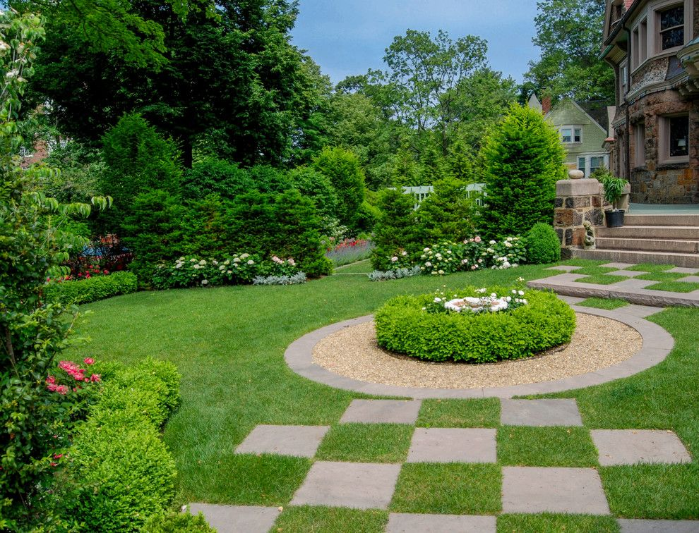 Brownstone Gardens for a Traditional Landscape with a Hydrangea and Brookline Brownstone by a Blade of Grass