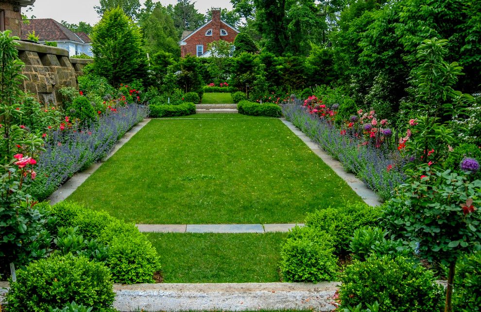 Brownstone Gardens for a Traditional Landscape with a Reclaimed Granite and Brookline Brownstone by a Blade of Grass