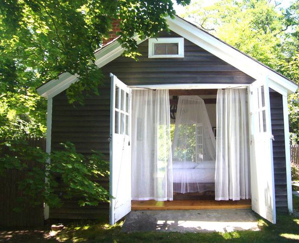 Camp Lejeune Housing for a Shabby Chic Style Shed with a Canopy and Farmhouse, Shelter Island by Schappacherwhite Architecture D.p.c.