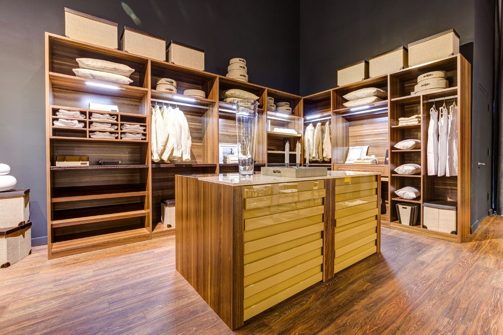 Casa Tua Miami for a Modern Closet with a Modern and Closet by Casa Gio