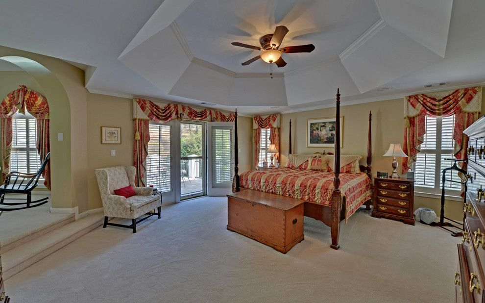 Castlewood Country Club for a Traditional Bedroom with a Envision Virtual Tours and St. Marlo Golf & Country Club Custom Homes by Envision Web