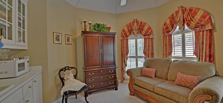 Castlewood Country Club for a Traditional Bedroom with a Professional Photographer and St. Marlo Golf & Country Club Custom Homes by Envision Web