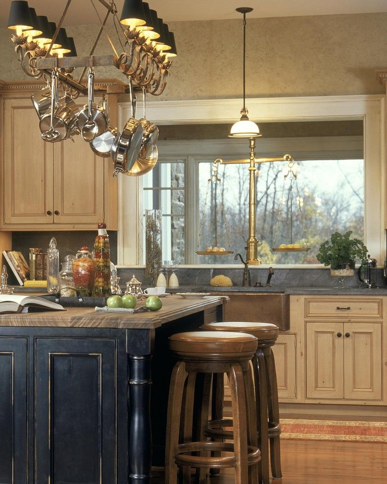 Chateau Briand Long Island for a Traditional Kitchen with a Bar Stools and 2003 Showcase by Witt Construction