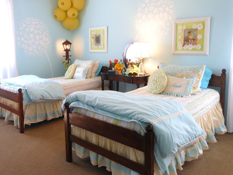 Chinese Fringe Flower for a Traditional Kids with a Twin Beds and Lakeshore Cottage Living:  Children's Room by Lakeshorecottage