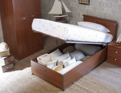 Chiohd for a Beach Style Kids with a Bedding Storage and Captain by Turbo Beds