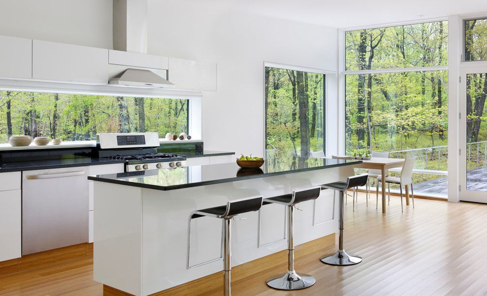 Cleaning Windows with Vinegar for a Modern Kitchen with a Modern Home and 20 Old Oaks by River Architects